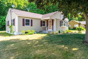 56 Pondview Dr, Chicopee, MA