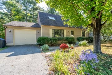 13 Gregory Lane, Northampton, MA 01062